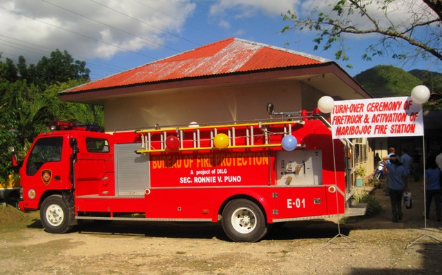 LGU Maribojoc's New Firetruck donated by the Bureau of Fire Protection. (Photo by Ninia C. Alcoseba)