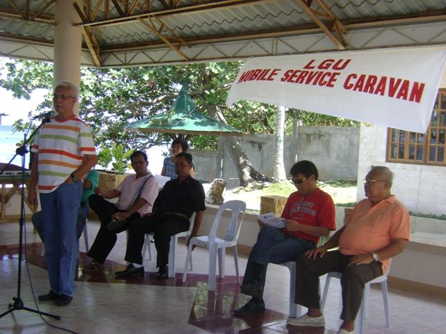 EVASCO ASSURES 100% UTILIZATION OF P15M LOAN FOR WATER. – Mayor Leoncio B. Evasco, Jr. guaranteed the people of a 100% fund utilization of the P15M loan for the waterworks system project for Punta Cruz, Guiwanon and Jandig, Maribojoc.  (Photo by Jose Cyril N. Lobrigas)