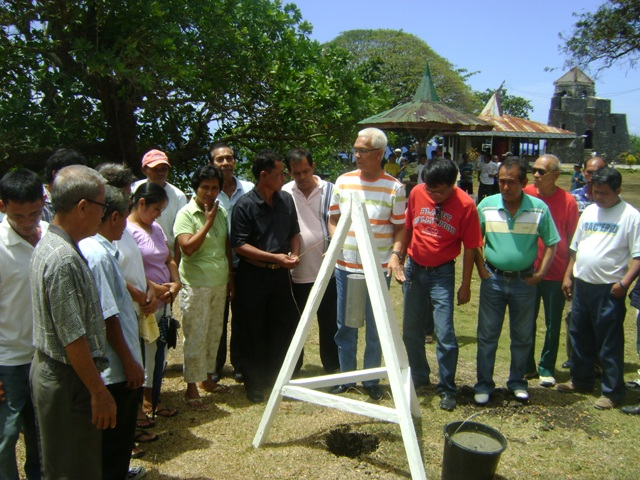 P15M MARIBOJOC WATERWORKS SYSTEM PROJECT GROUNDBREAKING. – Mayor Leoncio B. Evasco, Jr. led the ceremonial embedment of the waterworks project designs and plans with the LGU's commitment to pursue the completion of the project witnessed by the punong barangays and municipal councillors of the local government of Maribojoc. (Photo by Jose Cyril N. Lobrigas)