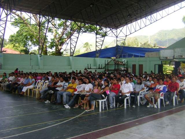 302 STARS Project Beneficiaries of Maribojoc, Bohol.  Training graduates await their certificates of completion as each skill category was recognized during the graduation ceremony. (Photo by Cheche Alagon)