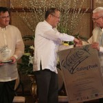 Pres. Aquino with Mayor Evasco