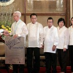 Pres. Aquino with Mayor Evasco, etc.